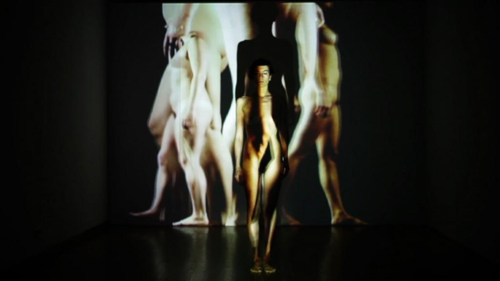 "Вика Ушканова ""тело художника"" // Vika Ushkanova ""Artist's Body"" (2012)"